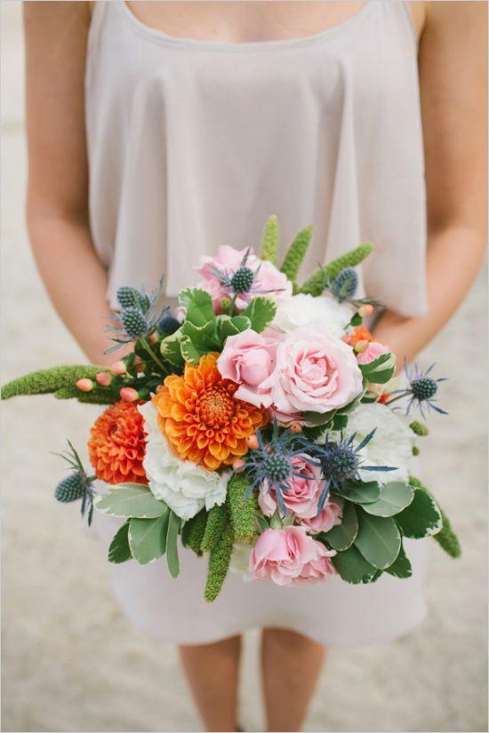 Täydellinen värimaailma meidän häihin (kuva:http://www.weddingchicks.com/2014/05/05/southwestern-inspired-wedding/)