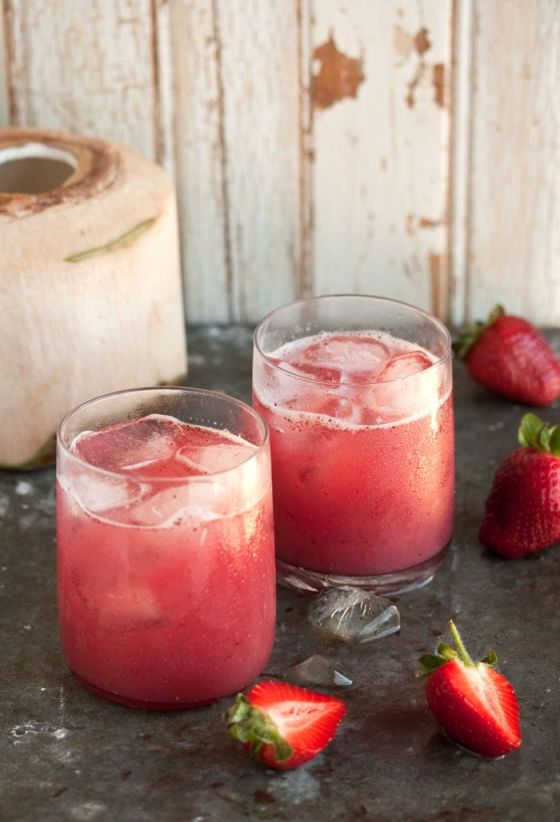 http://drizzleanddip.com/2012/10/29/a-delectable-cocktail-with-strawberries-and-coconut-water/_mg_2972-copy