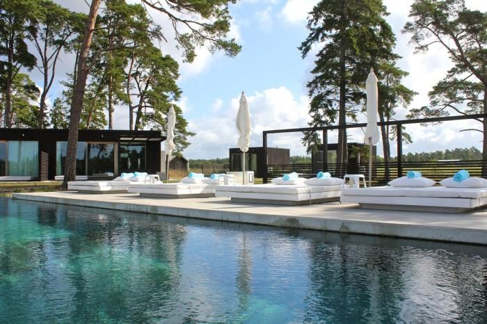 Djupvik-Hotel_Gotland-21-700x466 lisachic